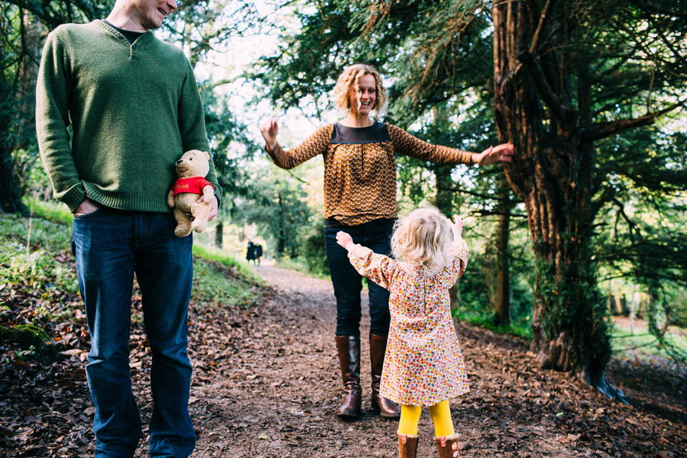 Stanmer Park Family Portrait Shoot- child and winnie the pooh