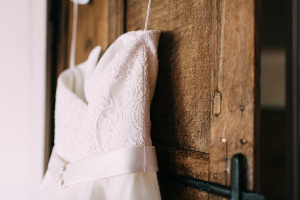 Wedding-Dress-Walled-Garden-Cowdray-Wedding